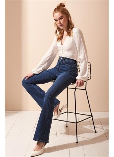 Never More Düğme Detaylı V Yaka Uzun Kol Beyaz Bluz Beyaz